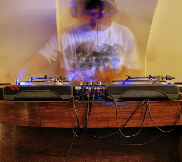 DJ DRACULA is back in town