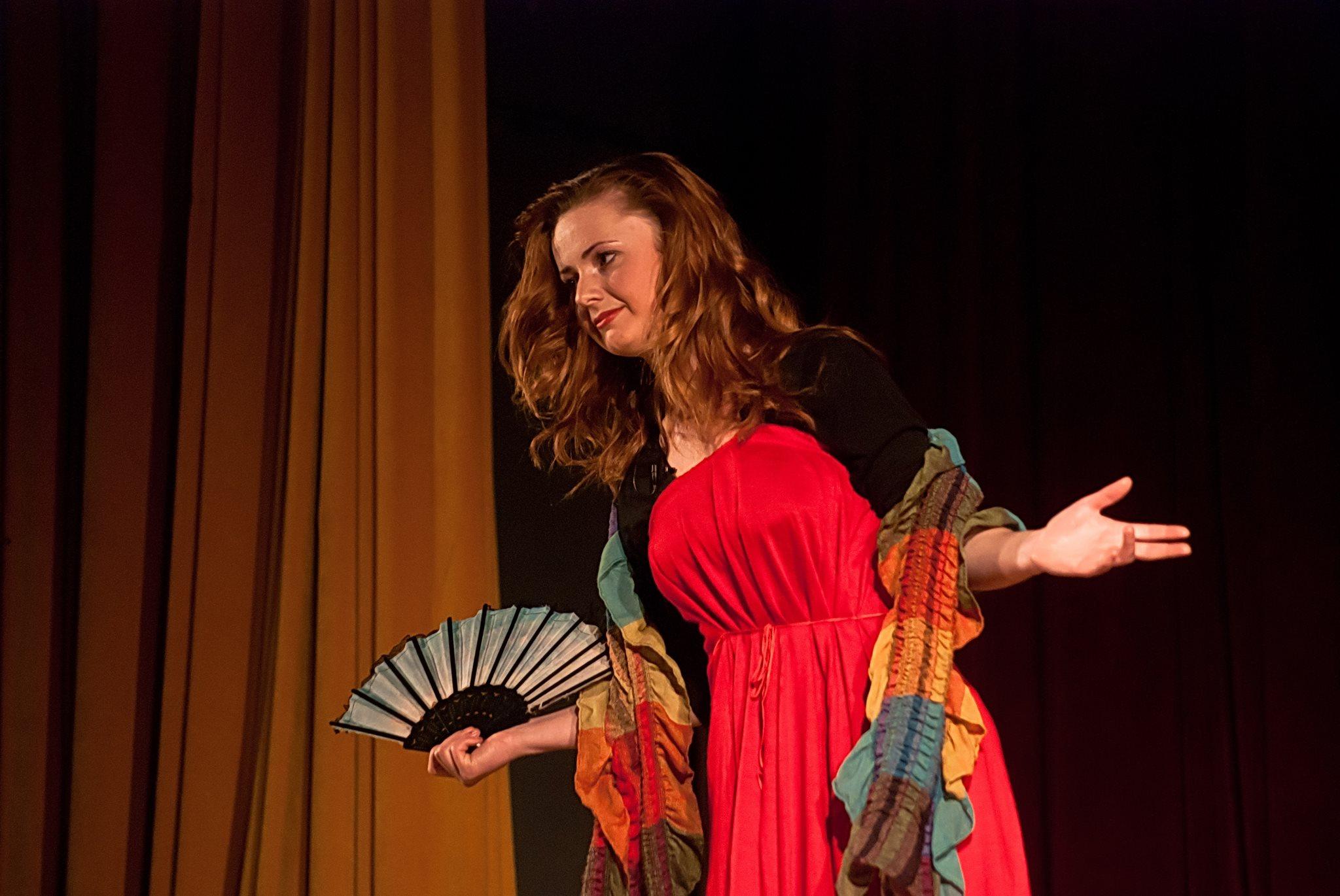 VIORI APRINSE, FEMEILE… spectacolul de teatru, muzică și poezie