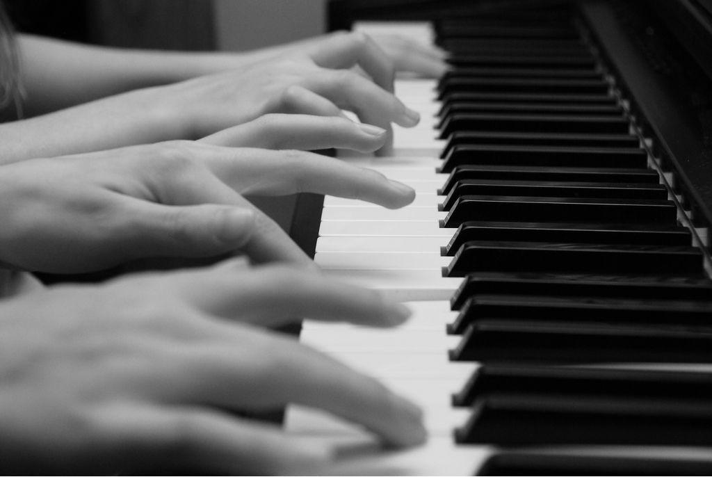 Recital de pian la patru maini