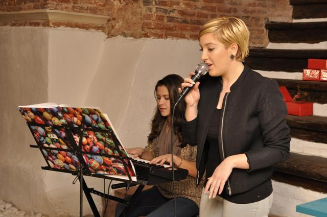 Reflektor acoustic sessions cu Teodora și Mădălina