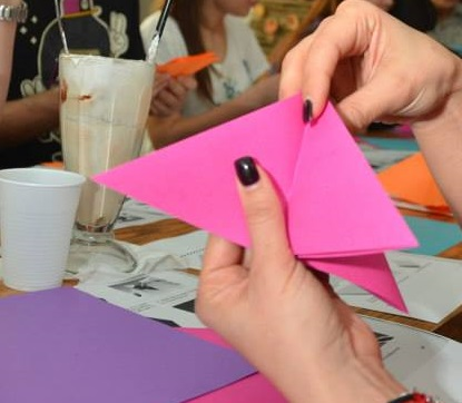Construim forme din origami
