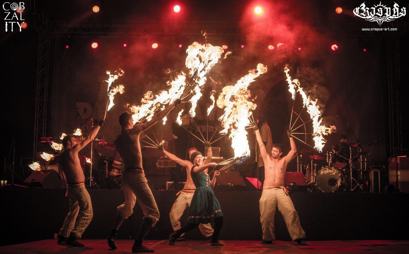 FOC și TRADIȚIE - spectacol CRISPUS - the art of fire & COBZALITY de Ziua Universală a Iei