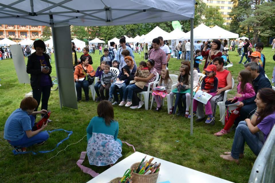 Activități educative pentru copii și părinți. Lumea roz-albastră