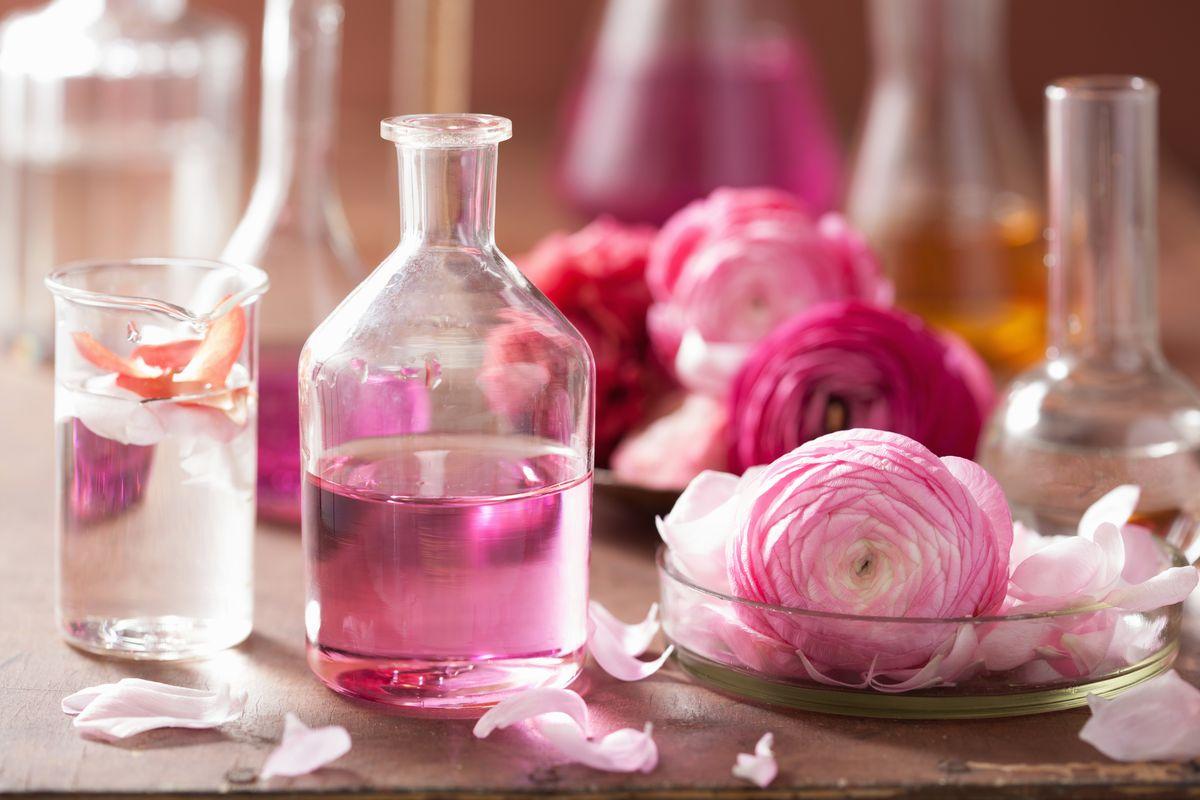 Aromaterapia: arta vindecării prin miresme