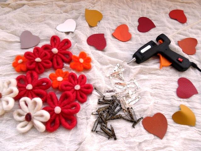 Broșe din flori cu Crystadesign