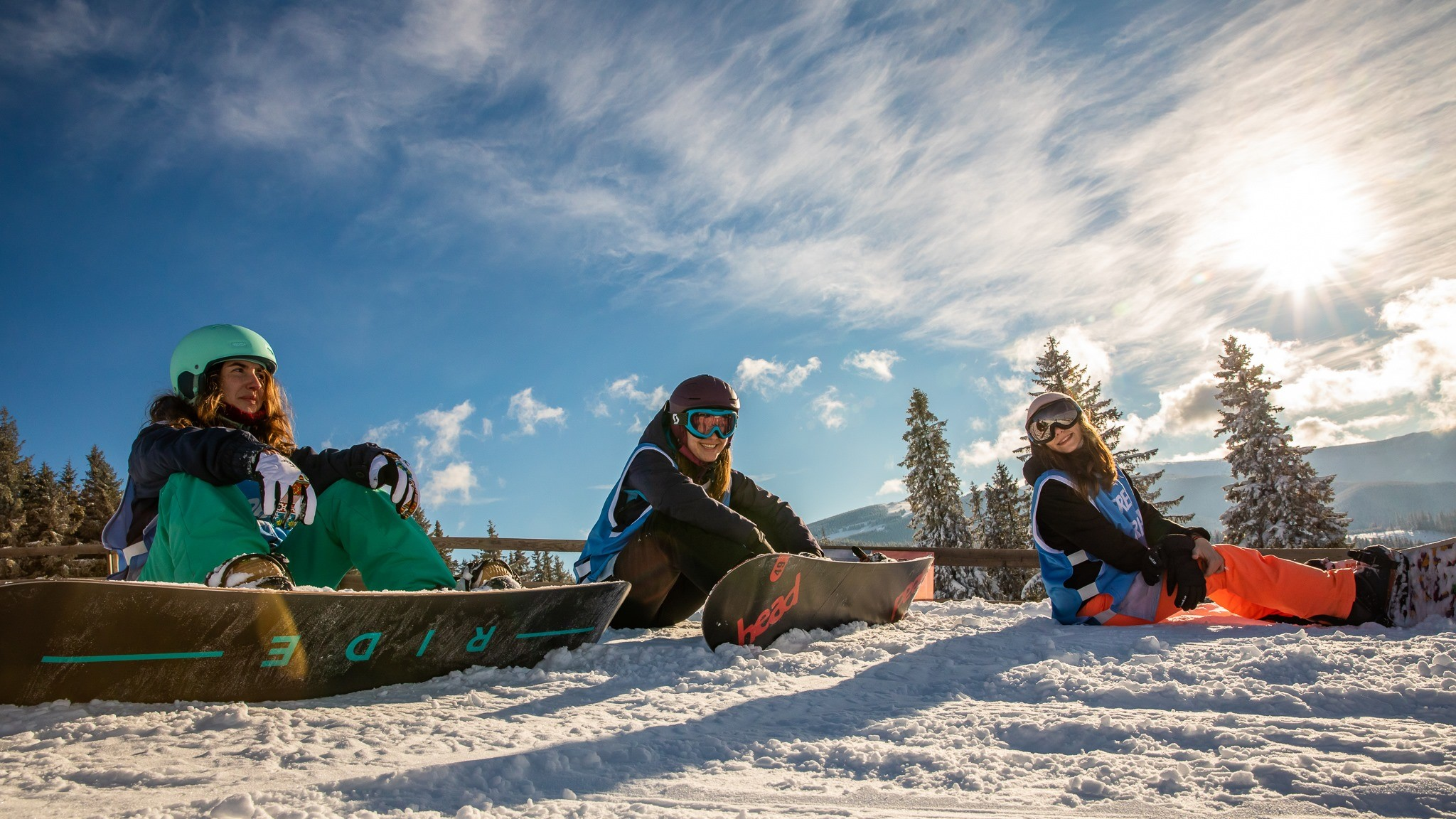 Snowboarding - alunecarea pe zăpadă și sezonul rece