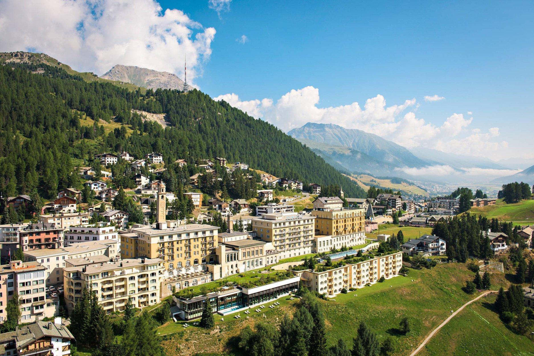 Vizionare film documentar: Bretania + Vizionare prezentări video: Locuri minunate din Elveţia